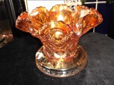 STUNNING VINTAGE CARNIVAL GLASS ORNATE WIDE BASE DISH VASE STRONG LUSTRE SCALLOP